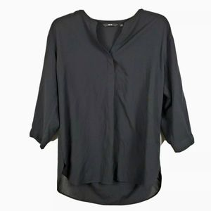 Uniqlo Popover Blouse 3/4 Button Sleeve Semi Sheer